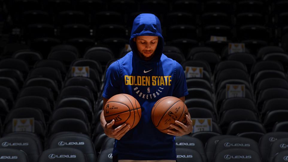 Basket Room: Steph Curry